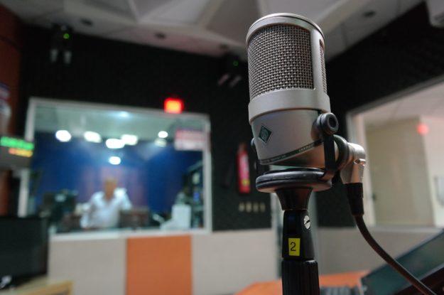 podcastin äänittäminen